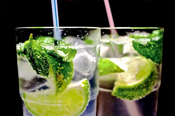 10 самых популярных коктейлей мира